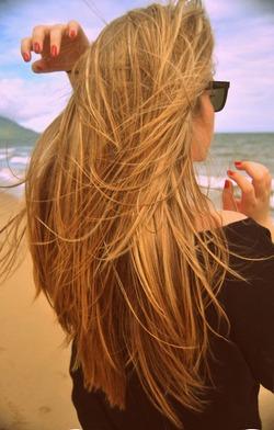 Фото на аву блондинок спиной